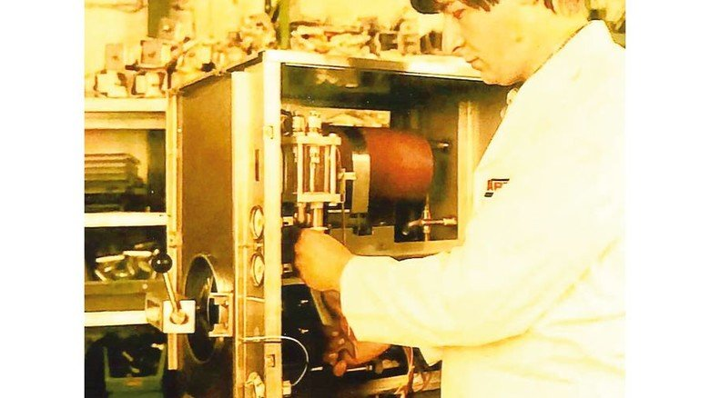 Neuling: Litterst hat schon als junger Mann bei Hobart gearbeitet. Foto: privat