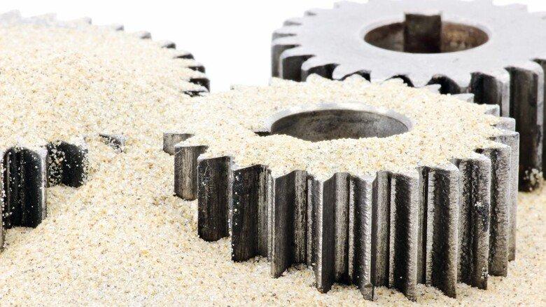 Sand im Getriebe: Die Metall- und Elektro-Industrie Baden-Württembergs geht durch eine schwierige Rezession.