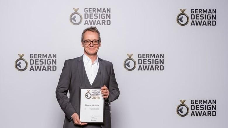 Preiswürdig: Designer Lutz Meyer. Foto: Werk
