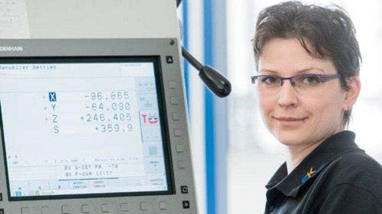 Ehrgeizig: Kerstin Rack will auch an Maschinen Verantwortung übernehmen. Foto: Weigel