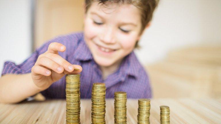 Das lacht der Nachwuchs: Bei Geldgeschenken gibt es besondere Regeln.