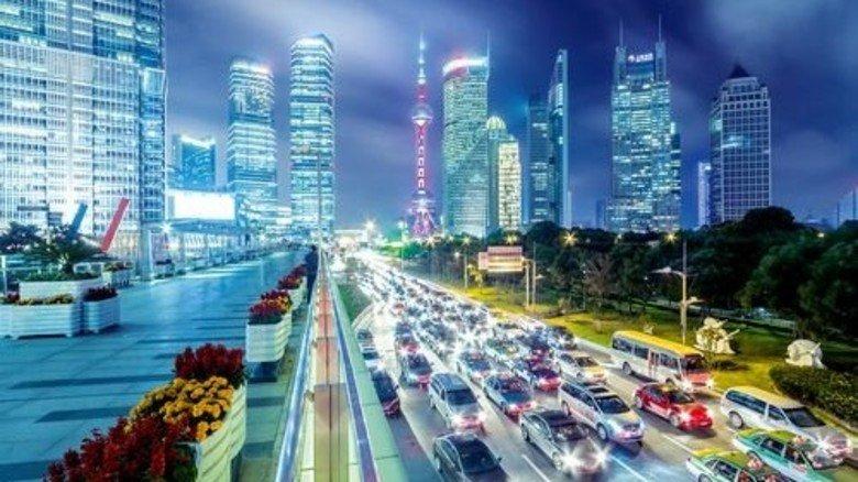 Megacity Schanghai: China, lange Zeit ein Motor für Wachstum in Bayern, sorgt derzeit für Unsicherheit. Foto: Getty