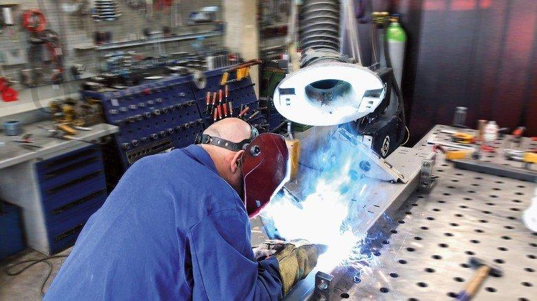Handarbeit: Der bayerische Mittelständler produziert die Maschinen selbst.
