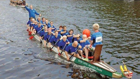 Im Takt: Drachenbootfahren ist anstrengend, macht aber eine Menge Spaß. Foto: Privat