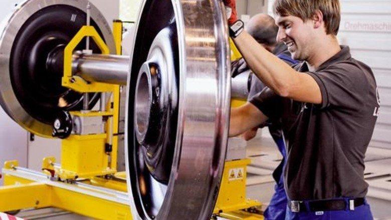 Produktion in Freilassing: Auch Räder und Achsen werden nicht zugekauft, sondern selbst produziert. Foto: Werk