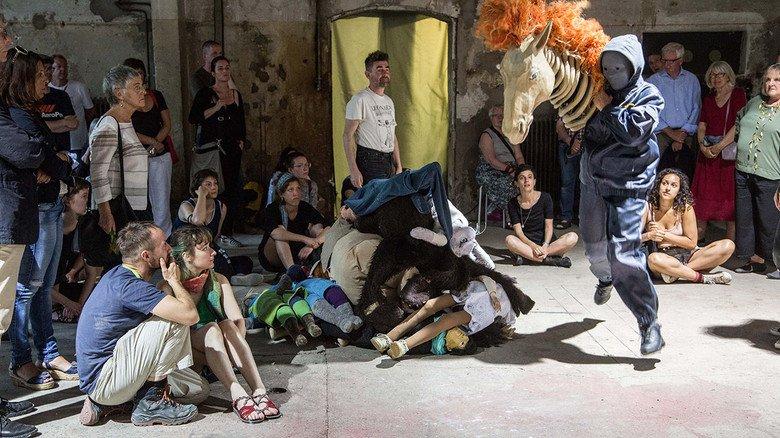 """Erlangen: Mittendrin beim """"Theater junge Generation"""""""