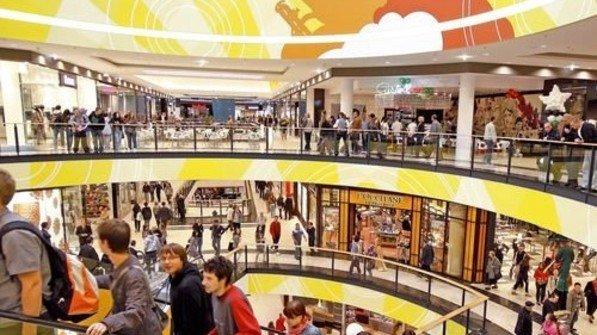 Konsum: Polen sind kauffreudig. Die Binnennachfrage ist eine Stütze der Wirtschaft. Viele Läden sind sonntags geöffnet. Foto: PAP