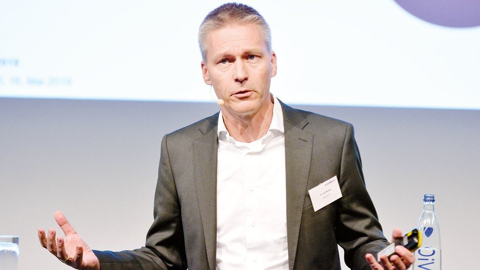 Dr. Jan Mrosik, COO Digital Industries Siemens AG