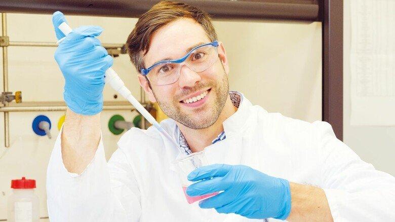 Legt Wert auf grünen Stempel: Malte Pinkernelle forscht an einem erneuerbaren Füllstoff.