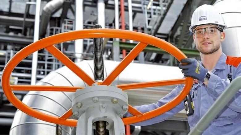 Einstellung bei MiRO: Auch die Mineraloelraffinerie Oberrhein vergrößerte die Belegschaft. Foto: Sigwart