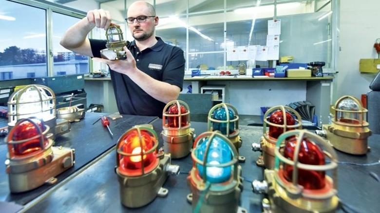 Für Gasfrachter geeignet: Bei diesen Leuchten springt kein Funke über. Foto: Christian Augustin