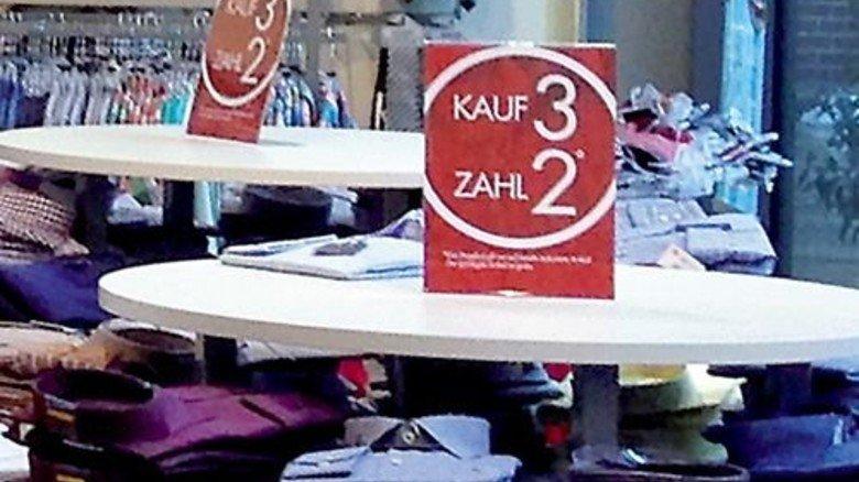 Günstige Gelegenheit: Solche Angebote gibt es im Einzelhandel oft nur beim Saisonwechsel. Foto: Werk