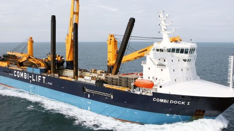 Huckepack über den Atlantik: Auf einem Dockschiff dieser Art soll die Bark nach Deutschland kommen. Foto: Combi Lift