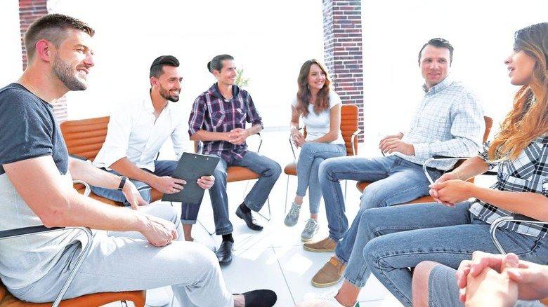 Profitieren von den Profis: Die Angebote werden von Experten aus der Praxis konzipiert und geleitet. Foto: AdobeStock