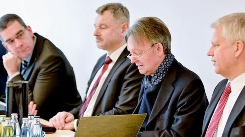 Arbeitgeber: Thorsten Bröcker und Günther Fischer vom Verband Rheinland-Rheinhessen, Volker Fasbender und Thomas Brunn von Hessenmetall (von links). Foto: Scheffler