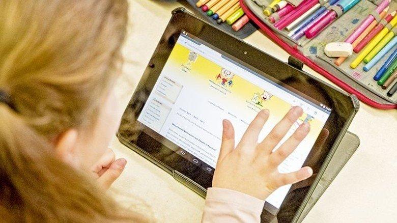 Spielerisches Lernen: Auch Lern-Apps werden an der Nürnberger Pilotklasse eingesetzt. Foto: Roth