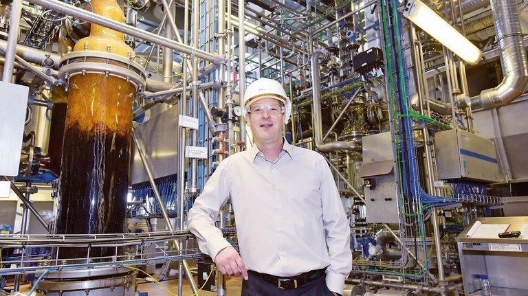 Leiter der Wirkstoffproduktion: Philipp Schlegel setzt auf Physik und Chemie.
