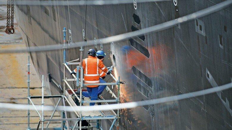 Überholung: Der Aufenthalt auf der Werft wurde für zahlreiche Ausbesserungsarbeiten genutzt.