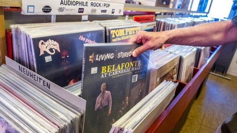 Im Rockstore hat man Auswahl: Der Plattenladen von Krause hat mehr als 4.000 Scheiben im Angebot. Foto: Roth