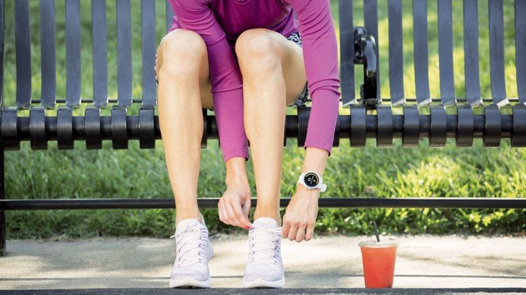 Laufen ist in: Immer mehr Menschen schnüren regelmäßig die Turnschuhe zum Training. Sportuhren von Garmin zeichnen Strecke, Puls und Herzfrequenz auf.