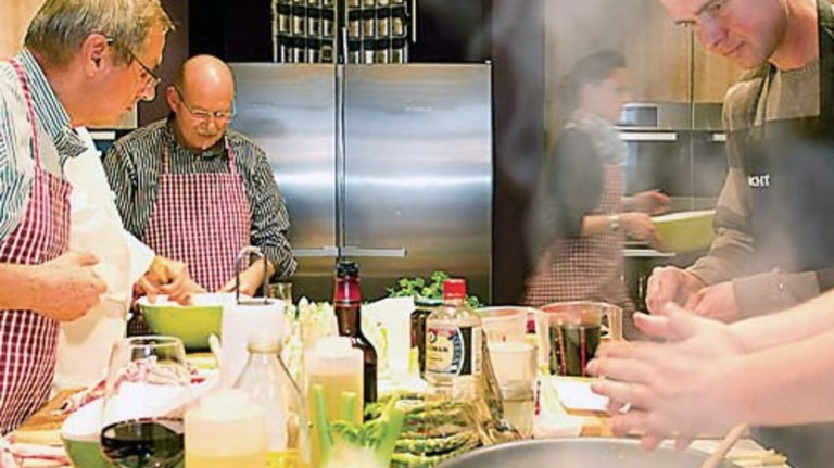 Kochschule Neumünster: Burger & more oder leichte Winterküche? Foto: Veranstalter
