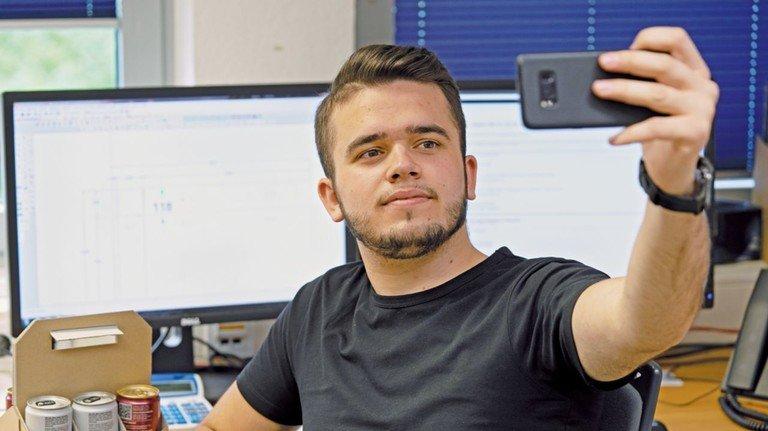 Yll Gashi: Der Blogger berichtet regelmäßig über seinen Arbeitsalltag.