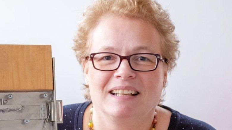 """""""Wir liefern die komplette Bandbreite für Haus- und Zimmertüren sowie für Zäune"""" Kerstin Mohr, Geschäftsführerin. Foto: Roth"""