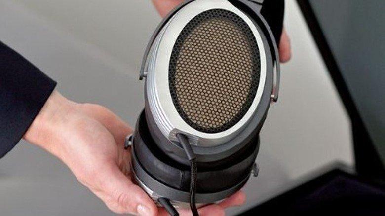 High End für 55.000 Euro: Der Kopfhörer HE1 ist der neue Technologie-Träger. Foto: Werk