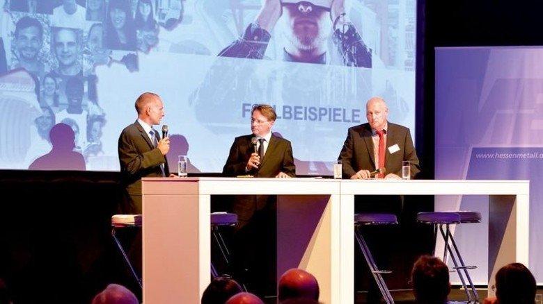Fallbeispiel: Vertreter von Oechsler mit Moderator (Mitte). Foto: Scheffler