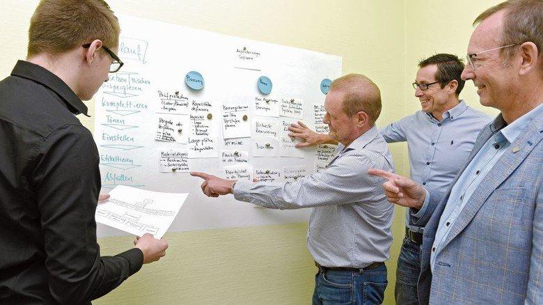 Verändern: Die Digitalisierer Stefan Leinz, Elmar Mehrer, Einkaufsleiter Martin Schneider und Firmenchef Peter Jansen (von links). Foto: Wirtz