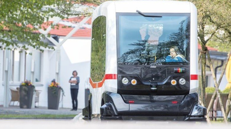 Stets auf Spur: Bus mit Autopilot. Foto: dpa