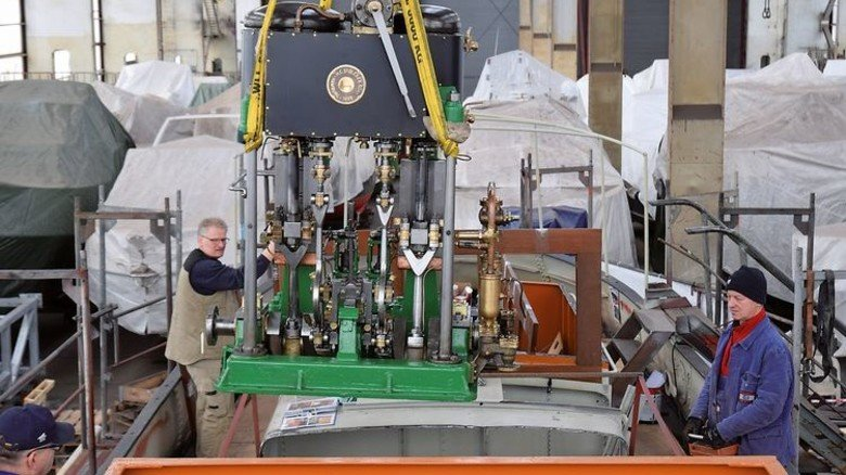 Altes Schätzchen: Die Zwei-Zylinder-Dampfmaschine, mit der das Schiff beim Bau 1928 ausgestattet wurde, läuft immer noch. Foto: Museumshafen