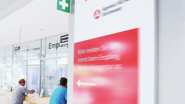 Arbeitsagentur in Dortmund: Die Zahl der Menschen ohne Job hat sich seit 2005 mehr als halbiert. Foto: Funke