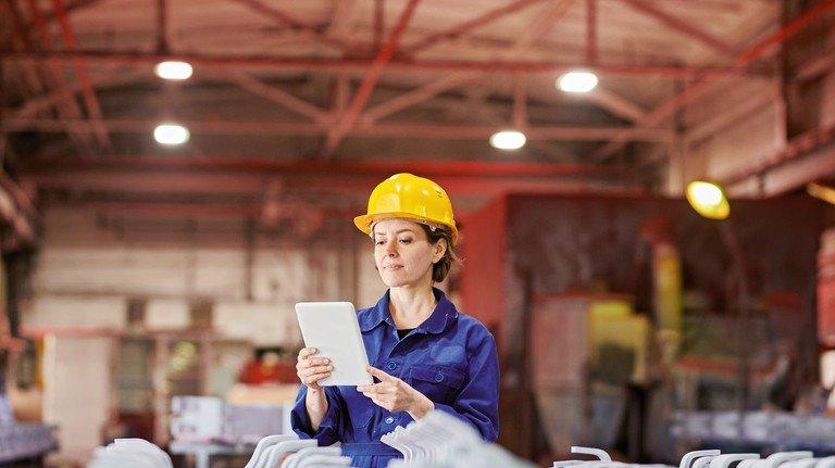 Karriere im Blick: Die Metall- und Elektro-Industrie im Norden bietet Frauen zahlreiche Jobs mit interessanten Perspektiven.