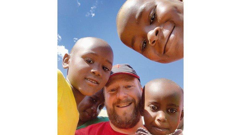 Engagement für Kinder: Christoph Maaß im Frühjahr 2019 bei seinem Aufenthalt in Kenia.