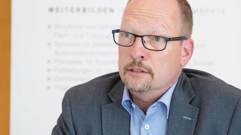 """Dr.Peter Janßen: """"Wir sehen die Seminare als gesellschaftspolitische Aufgabe."""" Foto: Moll"""