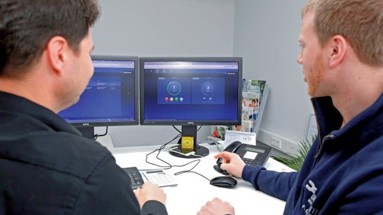 Alles im Blick: Handwerker überwachen via Online-Portal von Buderus die Heizungen ihrer Kunden. Foto: Werk