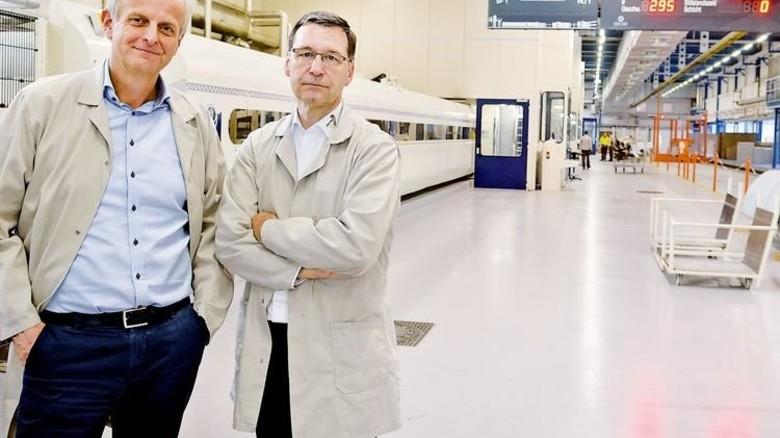 Alles unter Kontrolle: Werner Surholt (links) und Heinz-Gerhard Buchholz. Foto: Scheffler