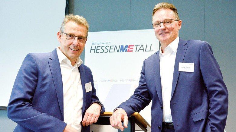 Von der Smart Electronic Factory zur digitalisierten Supply Chain: Gerd Ohl (links) und Dieter Meuser bieten ihre Lösungen auch anderen Unternehmen an.