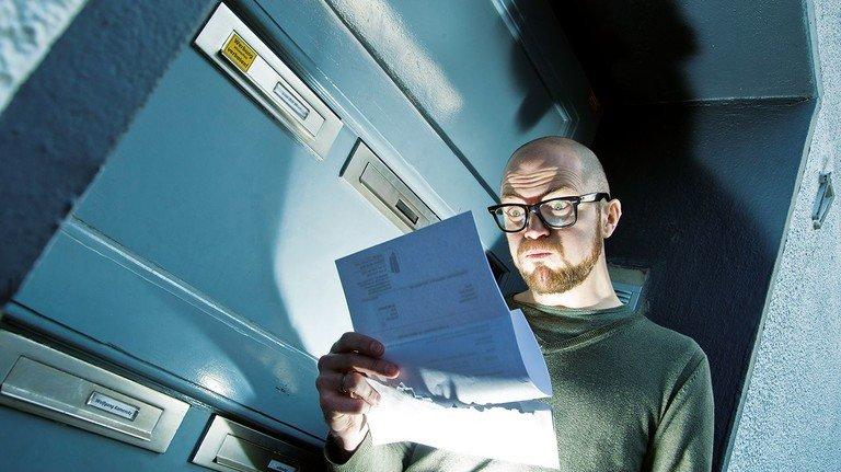 Schock im Hausflur: Manche Briefe sollte man lieber im Sitzen öffnen…