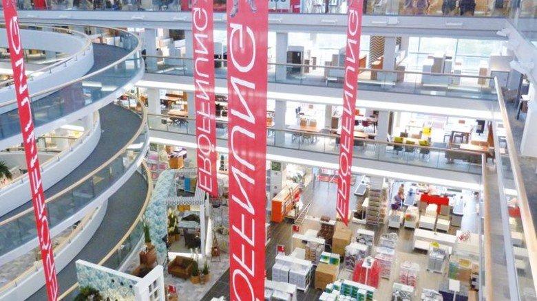 Viel Platz: In solchen Möbelhäusern macht die Branche die Hälfte ihres Umsatzes. Foto: XXXLutz