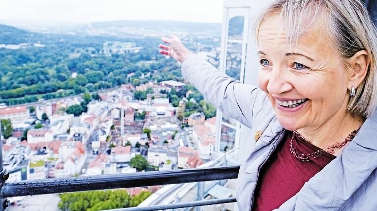 Kennt sich aus: Sabine Weiß schlägt sich seit der Wende mit Stadtführungen für Touristen durch.