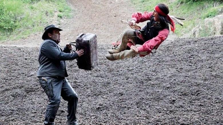 Action! Bolatli (rechts) spielte jahrelang bei den Karl-May-Festspielen mit. Foto: Privat