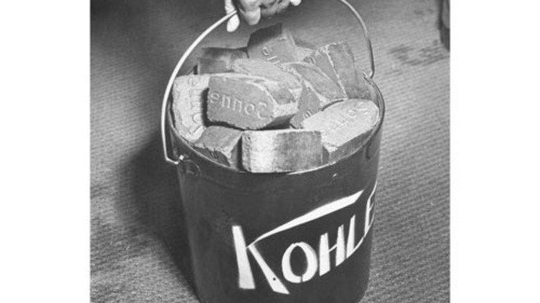 1956: Die Zechen fördern 125 Millionen Tonnen Kohle im Jahr – Nachkriegsrekord. Danach geht's zurück. Foto: Ullstein