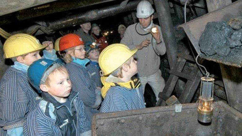 Her mit der Kohle! Kinder können unter Tage sogar Geburtstag feiern. Foto: LWL-Industriemuseum