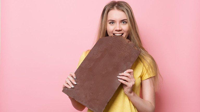Die Naschkatzen freut's: Zuletzt wurde Schokolade sogar billiger. Aldi hatte unlängst Markenschokos verschleudert – und damit eine Preisschlacht eröffnet.
