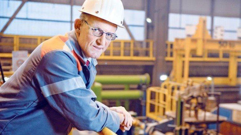 Betriebsdirektor Peter Juchmann: Neue Technik ermöglicht neue Spitzenstähle. Foto: Wächter