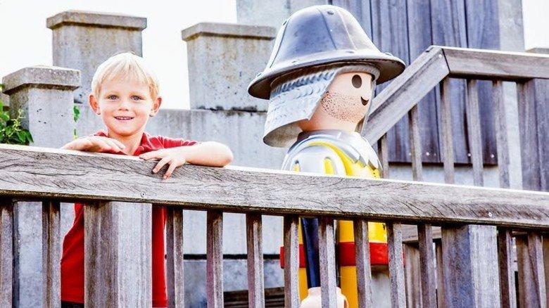 Ritter spielen: Burg und Turnierplatz im Playmobil Fun Park sind für kleine Besucher attraktiv. Foto: Playmobil