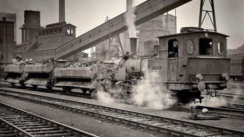 """Lasttier: Die Rangierlok """"Typ Krefeld"""" 1972 auf der Zeche Radbod in Bochum-Hövel. Foto: Pflaum"""