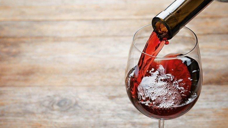 Nase und Zunge merken es sofort: Schmeckt der Wein etwa nach Kork?